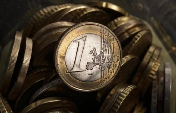 ΕΛΣΤΑΤ: Μεγαλύτερο έλλειμμα για το 2015 αλλά και υψηλότερο χρέος