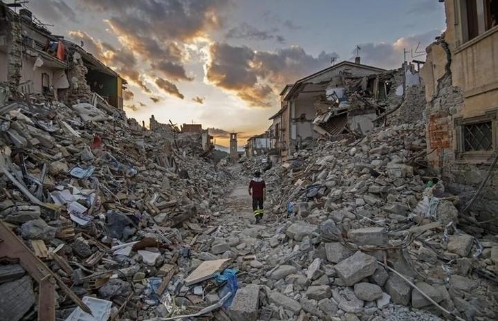 Καταστροφές στην Ιταλία από τρεις ισχυρούς σεισμούς
