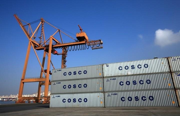 Η Cosco επενδύει 140 εκατ. ευρώ στο λιμάνι του Πειραιά