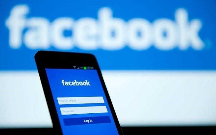 Το Facebook έχει την επιλογή να βάλεις για γλώσσα τα ...αρχαία ελληνικά