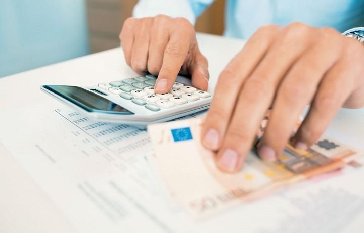 Αρχίζει η μάχη για αφορολόγητο και φορολογικές εκπτώσεις