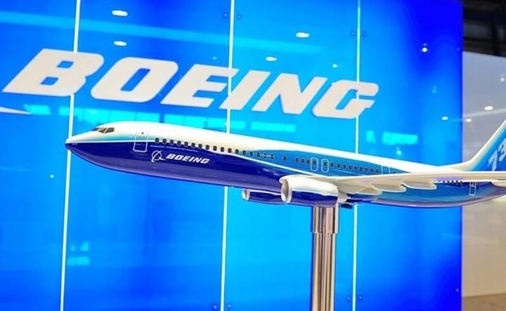 Η Boeing περικόπτει 500 θέσεις εργασίας