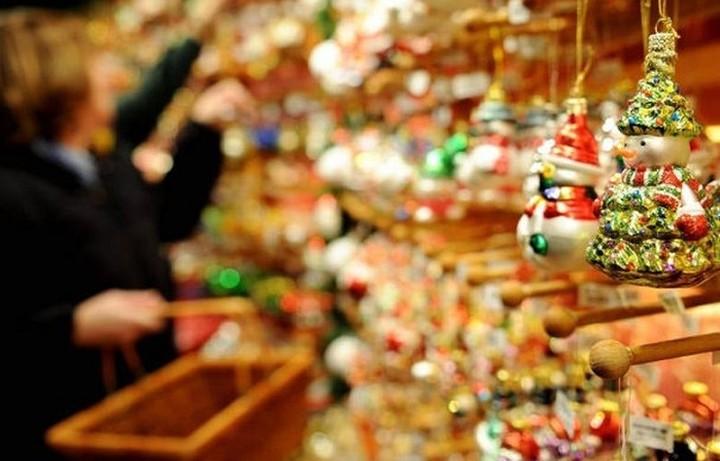 Πόσα θα ξοδέψουν φέτος τα Χριστούγεννα οι Έλληνες