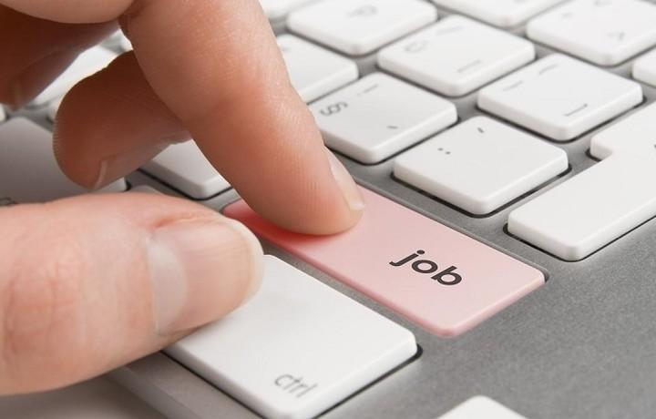 Έρχονται 725 νέες μόνιμες θέσεις εργασίας
