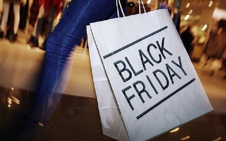 Βροχή προσφορών για το Black Friday- Ποια καταστήματα προσφέρουν και τι