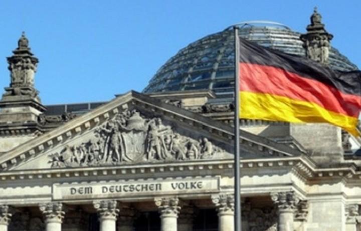 ΥΠΟΙΚ Γερμανίας: Το ΔΝΤ θα παραμείνει στο πρόγραμμα διάσωσης της Ελλάδας