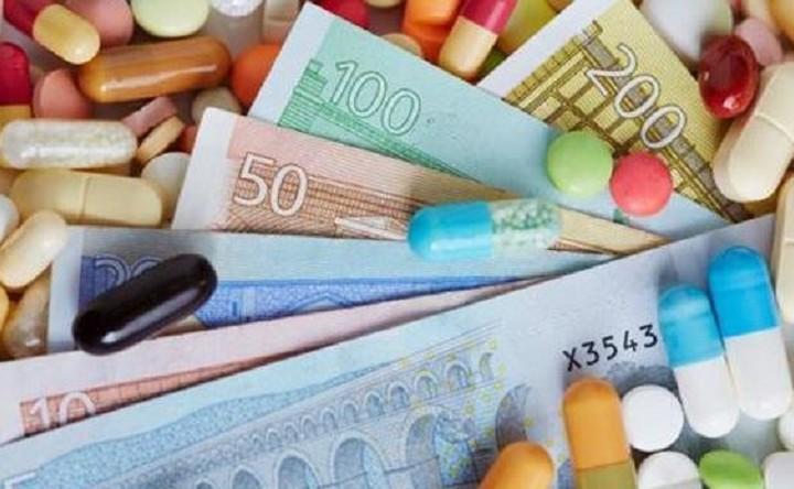 112 εκατ. ευρώ ξόδεψαν φέτος οι Έλληνες σε αγορές από οnline φαρμακεία