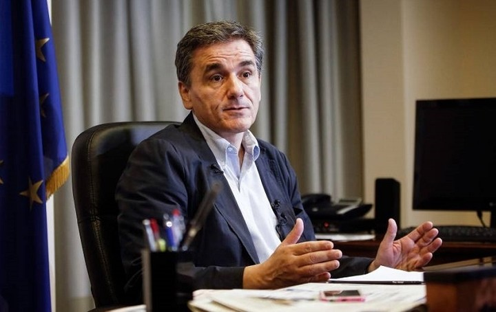 Τσακαλώτος: «Μόνιμος ζουρλομανδύας» το Σύμφωνο Σταθερότητας