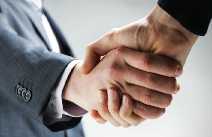To πρώτο μεγάλο επιχειρηματικό deal του 2017