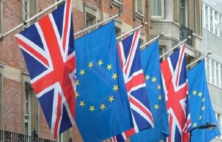 Παραιτήθηκε ο αντιπρόσωπος του Ηνωμένου Βασιλείου στην ΕΕ