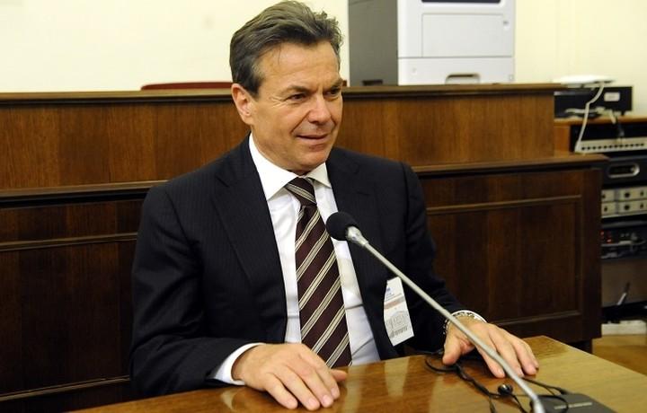 Πετρόπουλος: Θα ωφεληθούν όσοι έχουν χαμηλό εισόδημα από μπλοκάκι
