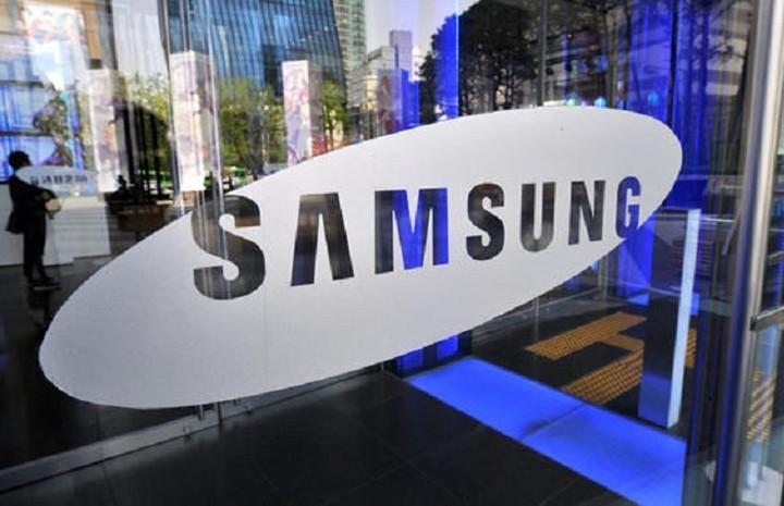 Η Samsung φέρνει τα smartphones με αναδιπλούμενη οθόνη