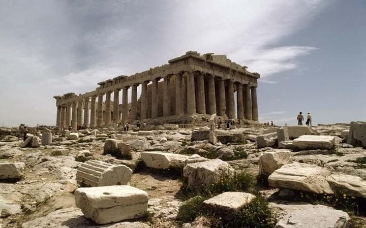 Οι NYT προτείνουν την Αθήνα για διακοπές το 2017