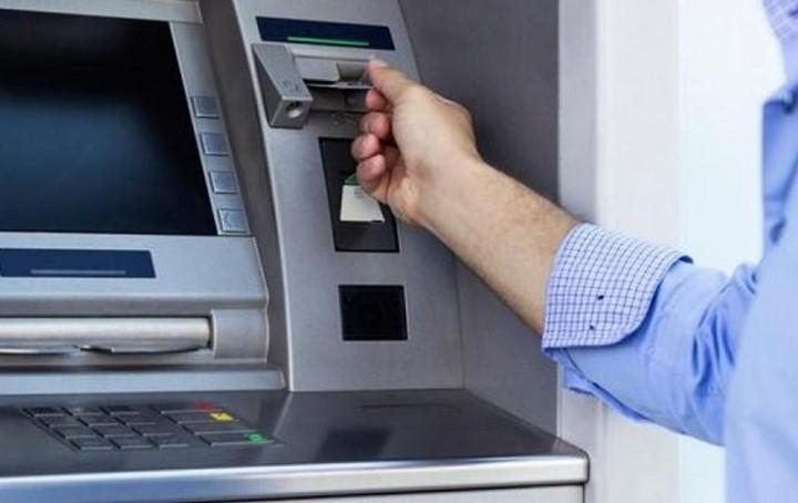 Capital controls: Ανανεώθηκε το όριο των 840 ευρώ