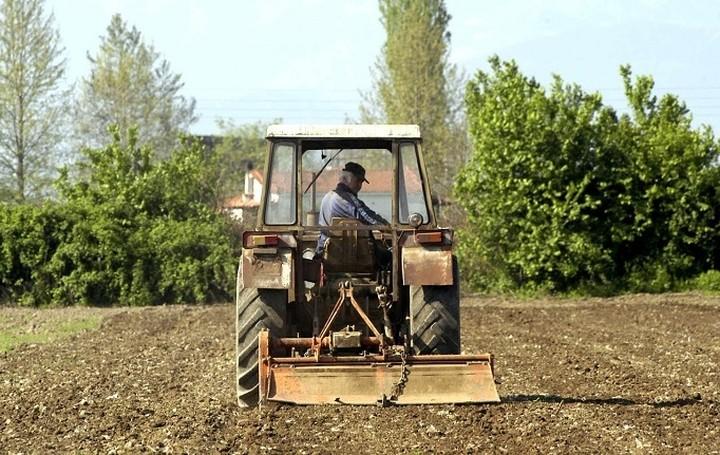 Διευκρινίσεις του ΥΠΟΙΚ για τη φορολόγηση των αγροτών