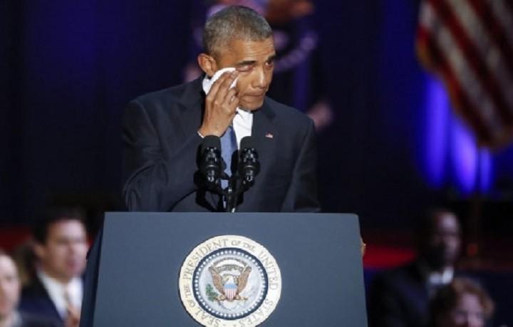 Με δάκρυα το κύκνειο άσμα του Ομπάμα