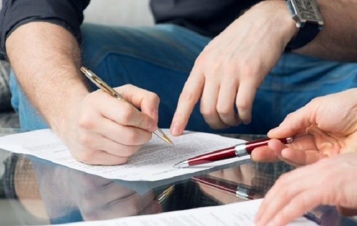Εξομοιώνονται στα εργασιακά ο γάμος με το σύμφωνο συμβίωσης