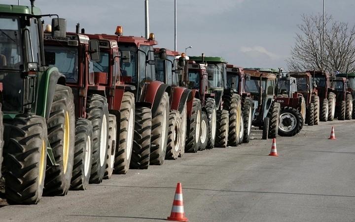 Ξεκινούν τα μπλόκα οι αγρότες