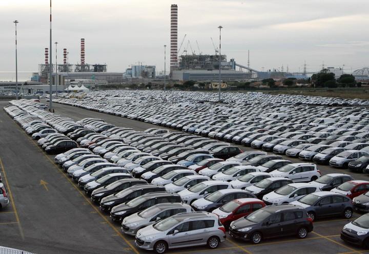 Τι αλλάζει στην κατάθεση των πινακίδων κυκλοφορίας των αυτοκινήτων