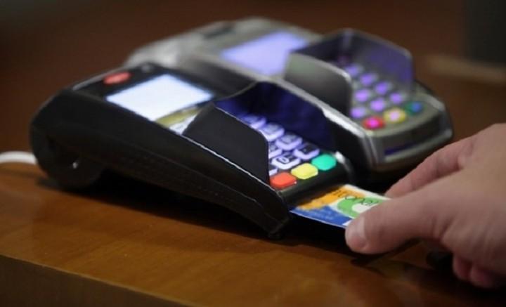 Πώς θα λυθεί ο γρίφος των υποχρεωτικών ηλεκτρονικών πληρωμών