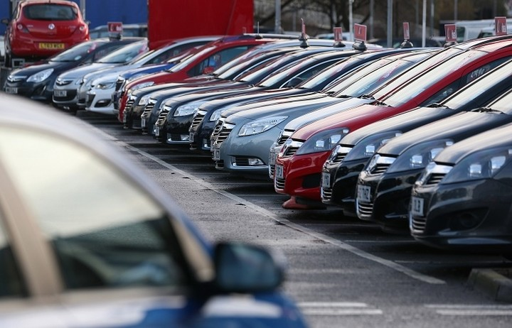 Έρχονται μειώσεις στις τιμές των αυτοκινήτων