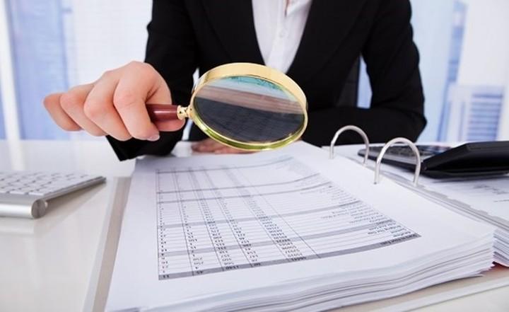 Ποιες επιχειρήσεις μπαίνουν στο στόχαστρο των ελέγχων για αδήλωτη εργασία
