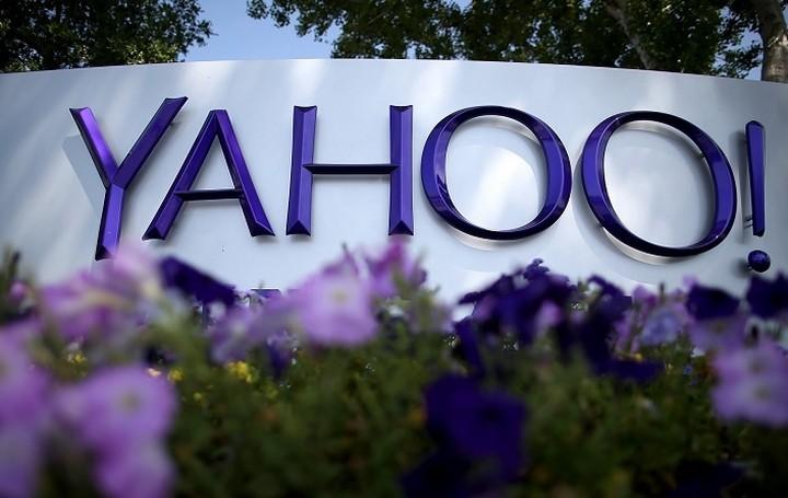 Αναβάλλεται η συμφωνία Yahoo -Verizon