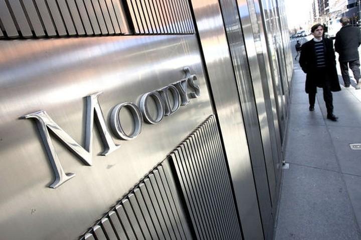 Ο Mr Moodys μιλάει για αξιολόγηση, χρέος και Grexit - Συνέντευξη