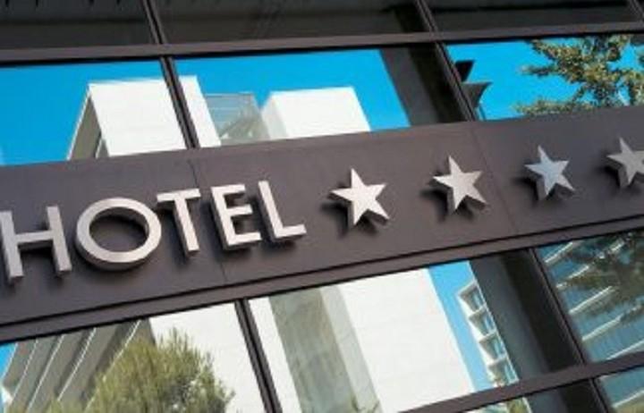 Ποια ελληνικά ξενοδοχεία σάρωσαν στο διαδίκτυο