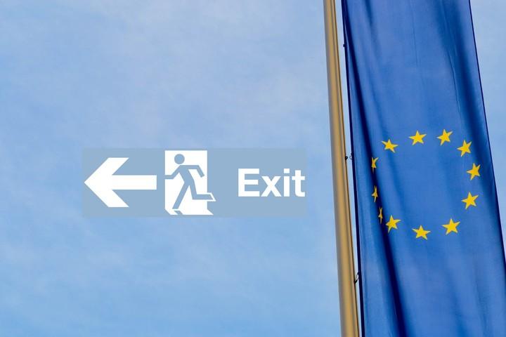 Moody's: Πιθανή η έξοδος της Ελλάδας από το ευρώ