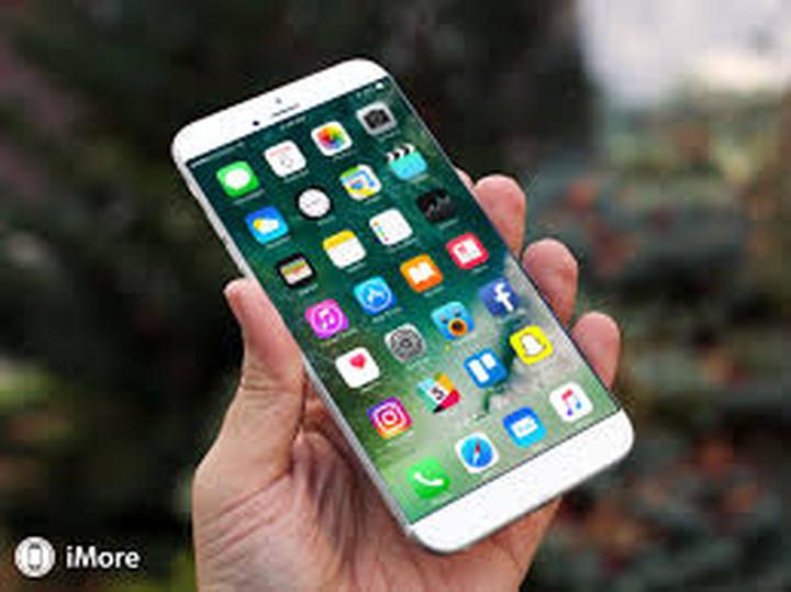 """Το iPhone 8  με λιγότερο """"κυρτή"""" οθόνη από το Galaxy S7 Edge"""