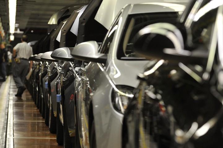 Πώς εξαϋλώθηκε το 73% της αγοράς αυτοκινήτων