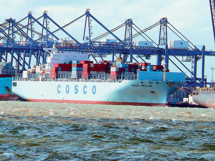 Γιατί πανηγυρίζουν οι Κινέζοι της Cosco για τον ΟΛΠ