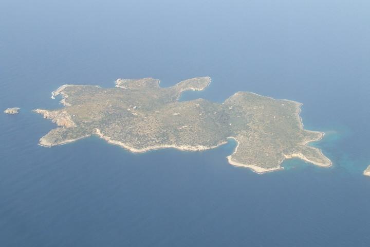Ποιοι θέλουν να μεταμορφώσουν σε «παράδεισο» τη νήσο Φλέβες