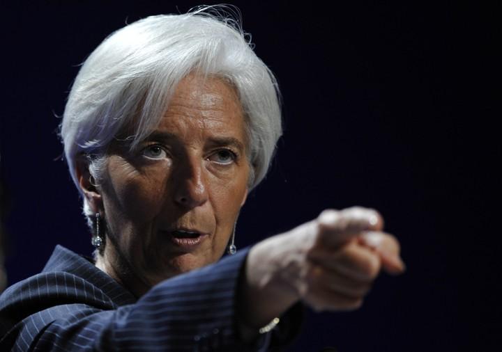 """""""Τρύπες"""" βλέπει πάλι το ΔΝΤ"""