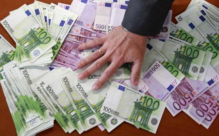 Οι 30 εισηγμένες που είναι μείον στο ταμείο κατά 1,6 δισ. ευρώ