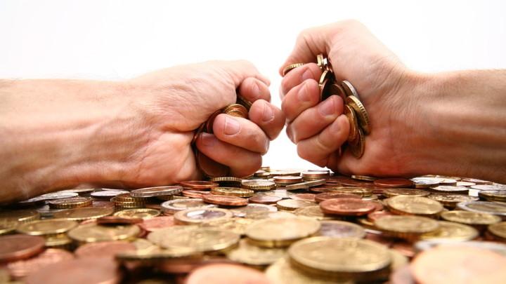 Η εφορία αδειάζει τους τραπεζικούς μας λογαριασμούς