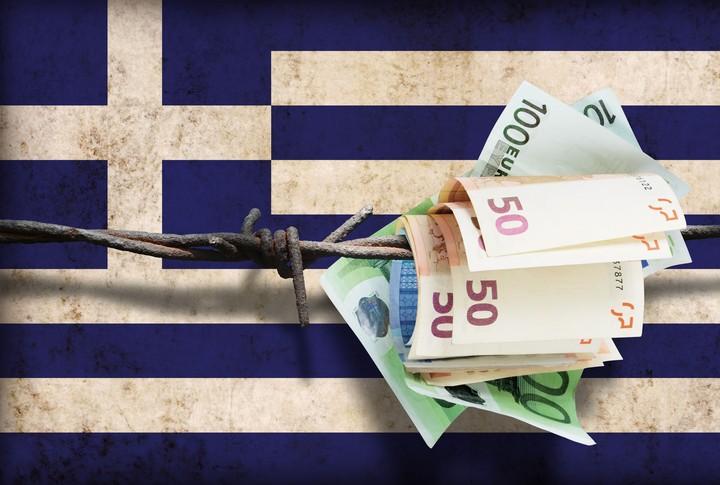 """Πώς και γιατί οι δανειστές θέλουν να """"ξεδοντιάσουν"""" το ελληνικό υπερ-πλεόνασμα"""