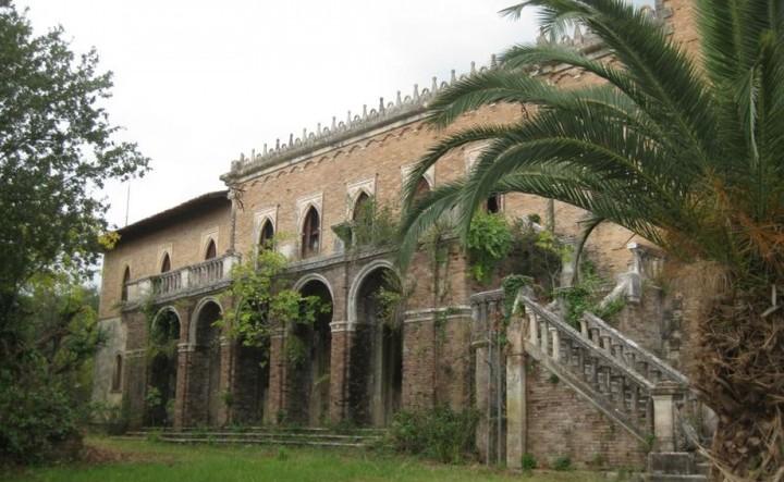 Αναζητείται επενδυτής για το Castello Bibelli