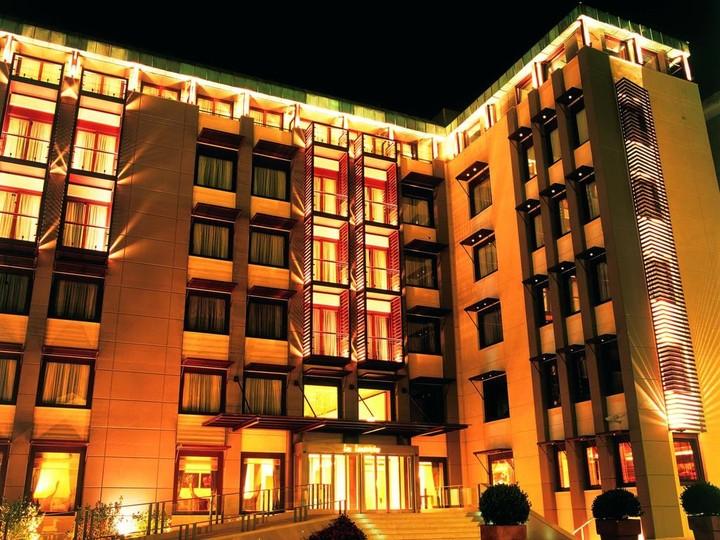 Πασίγνωστο ξενοδοχείο του Βορρά αλλάζει… ομάδα