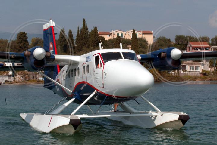 Ψήνεται γάμος αεροπορικής με εταιρείες υδροπλάνων