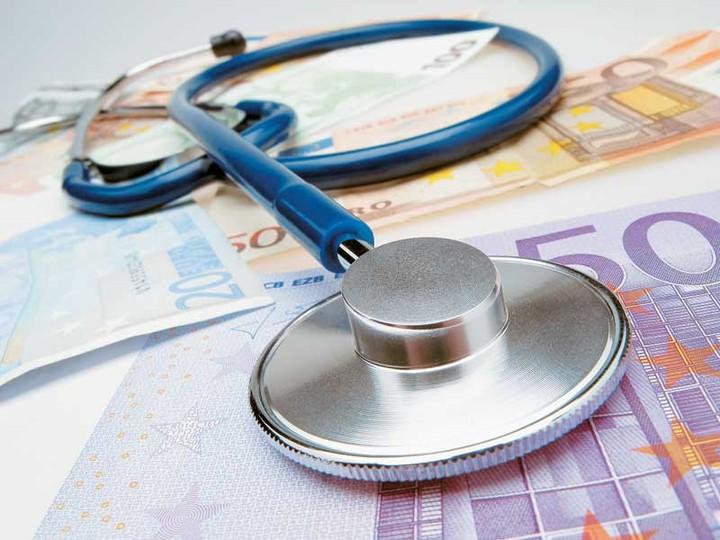 Απίστευτο: βάζουν POS στους γιατρούς και καταργούν την έκπτωση φόρου