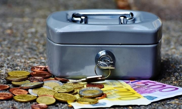 Φορολογικές δηλώσεις 2017: Δέκα tips για λιγότερους φόρους