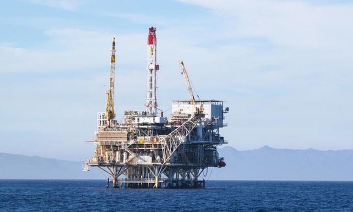 Γιατί η Ελλάδα μπήκε στο μικροσκόπιο των πετρελαϊκών κολοσσών