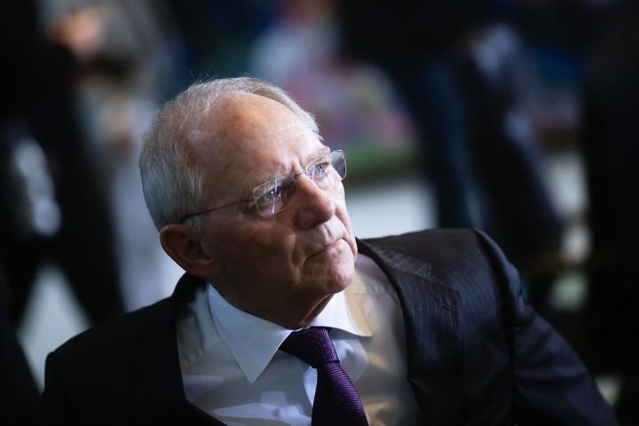 Ρελάνς Σόιμπλε στο Eurogroup για συμφωνία- Σε ποια σημεία υποχωρεί