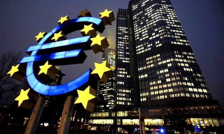 Πόσα χάνει η Ελλάδα αν δεν ενταχθεί στο πρόγραμμα ποσοτικής χαλάρωσης