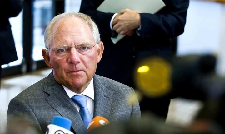 Ο Σόιμπλε εκθέτει την κυβέρνηση: Είχαμε συμφωνήσει εδώ και 3 εβδομάδες