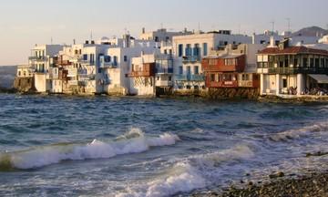 Ποια είναι τα top νησιά που θα επισκεφτούν οι Έλληνες