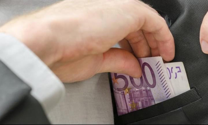 Κούρεμα δανείων μέσω... εφορίας