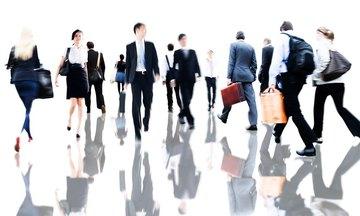Οι 10 επιχειρήσεις που προσφέρουν ακόμη θέσεις εργασίας